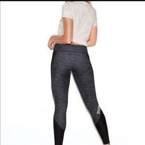 PINK Victoria's Secret Pants & Jumpsuits - PINK Victoria's Secret reversible leggings